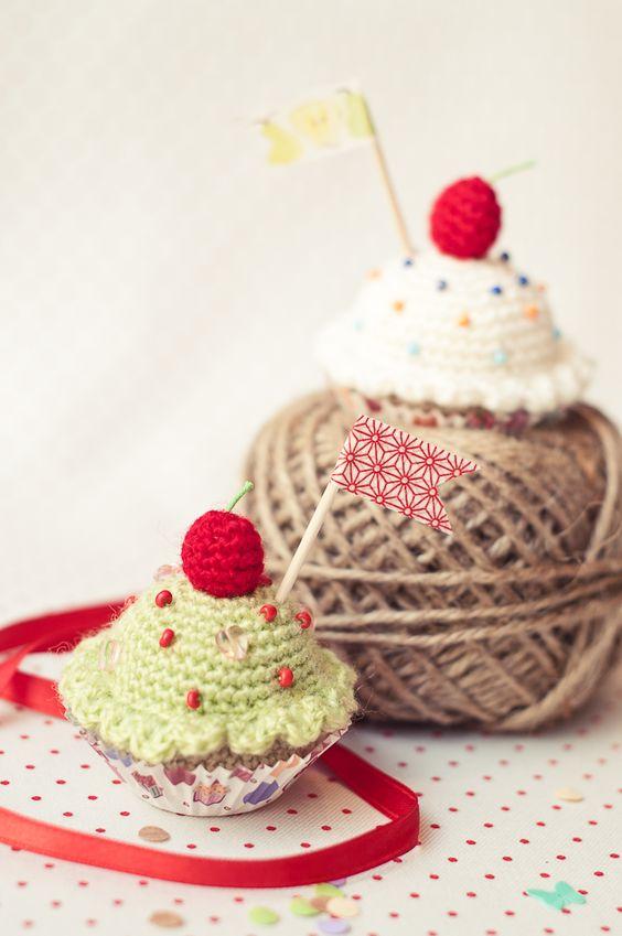 Cupcake Amigurumi Patron Gratis : Amigurumi comida:Feliz Cupcake - Patron Gratis en Espanol ...