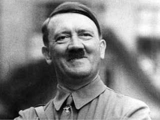Hitler está no céu porque se arrependeu, escreve Porchat