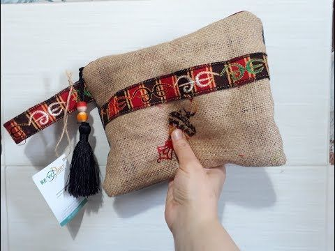 الخيش إتطور وبقى موضة وخامة جديدة للشنط Burlup Boho Clutch Youtube Reusable Tote Tote Bag Reusable Tote Bags