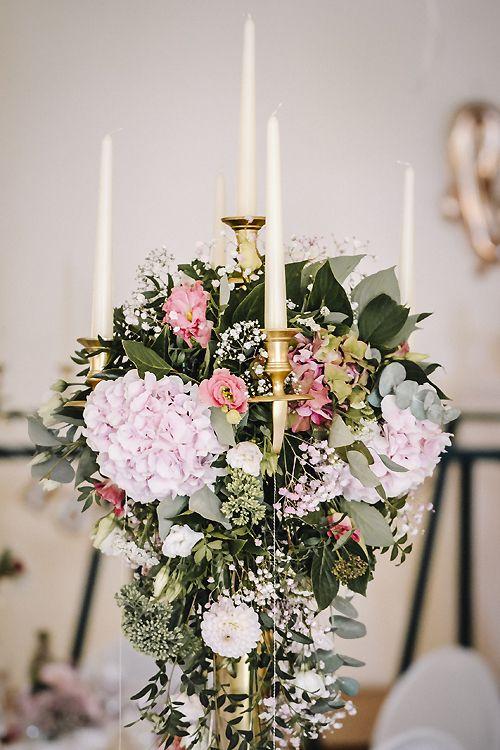 Kerzenstander Mit Blumen Tischdeko Hochzeit Hochzeit Deko Tisch Tischdeko Hochzeit Hochzeit Tischdekorartion