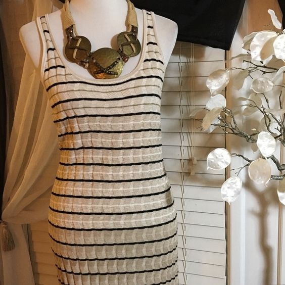 """LOFT Dress Gorgeous dress , made of 100% rayon , it measures 41"""" f on top to bottom , excellent condition and quality LOFT Dresses Midi"""