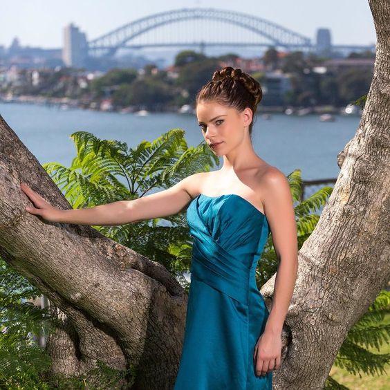 Elegance and sophistication. @taliah_campbell #sydney #fashion #gown #australia #cockatooisland #sydneyharbourbridge #portrait #photoshoot #aussiemodel #australiamodel #sydneymodel #teale #stephenwong #covergirlphotographer #aussiephotos by covergirlphotographer http://ift.tt/1NRMbNv