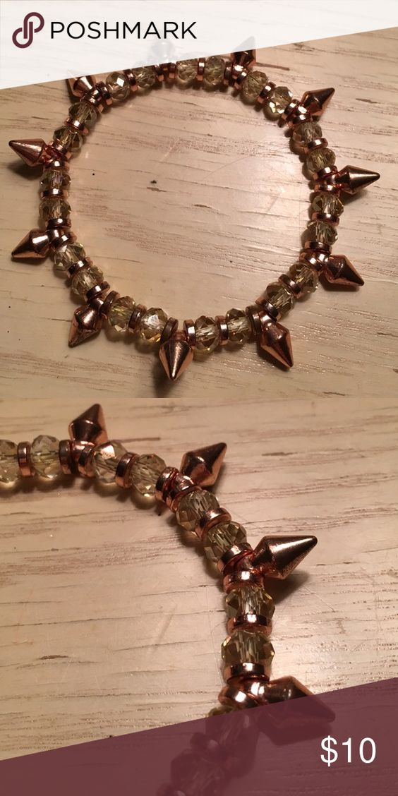 Brown/clear beaded bracelet Spunky bracelet that adds style to any outfit. The beads are gorgeous too! Jewelry Bracelets