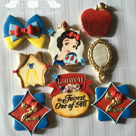 I can never get tired of making Snow White cookies  Here is a set specially made for Lauren ❤️ #decoratedcookies #decoratedsugarcookies #decoratedcustomcookies #customsweets #customcookies #customdecoratedcookies #cookieart #cookielove #handpainted #snowwhite #disneyprincesses