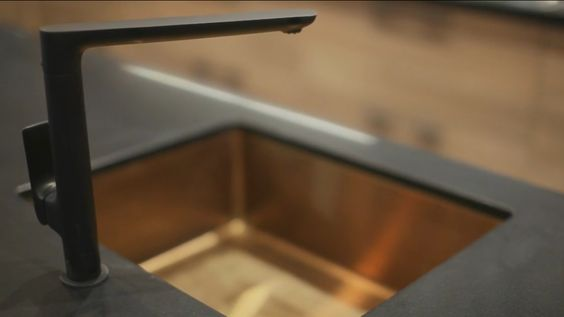 Copper sink3 and black tap