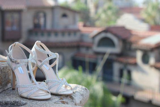 Zapatos preciosos de novia Foto: Velo de Vainilla http://www.velodevainilla.com/2015/09/22/matrimonio-joanna-juan-morning-details/