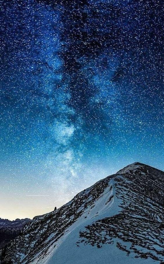 Milky Way Sky Wallpapers Milky Sky In 2020 Best Iphone Wallpapers Iphone Wallpaper Wallpaper Space