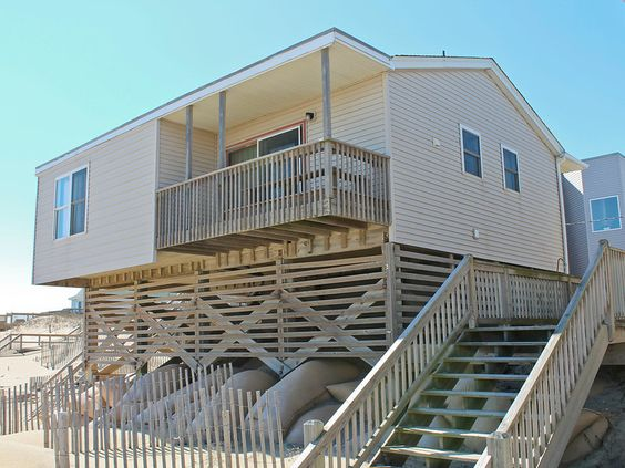 Up Front 523-A Oceanfront Exterior