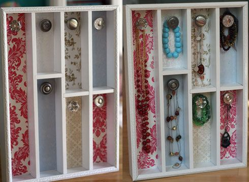 cutlery tray repurposed as jewelry holder. Way cute