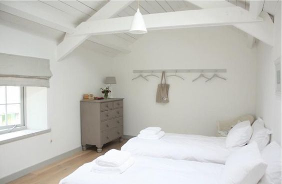 Ben & Sarah Lambert's Devon Farm: Bedroom (peg rail)   Remodelista: Devon Farm, Farmhouse Vintage, Country House, Farm Bedroom
