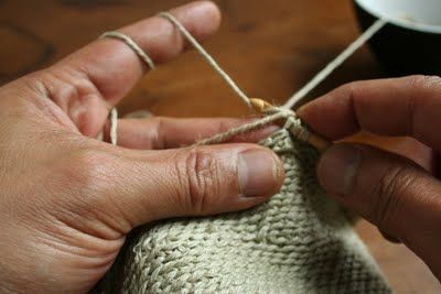 The Yarn Monkey Chronicles: Firming Things Up —Clothesline Crochet Basics makes a firmer fabric for baskets and bags