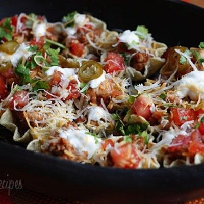 http://www.skinnymom.com/2014/01/26/skinny-loaded-nachos-with-turkey-beans-and-cheese/