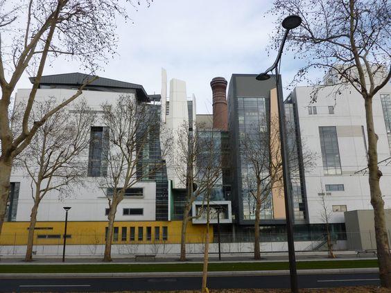 L'École Nationale Supérieure d'Architecture de Paris Val de Seine , vue le long du bd des maréchaux. Frédéric Borel architecte