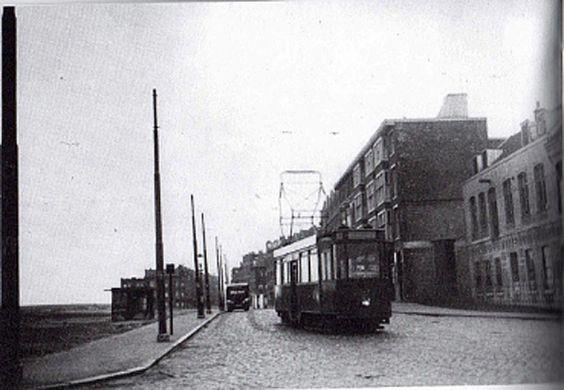 De Heer Vrankestraat in 1927 toen er een trammetje langs ons huis reed.