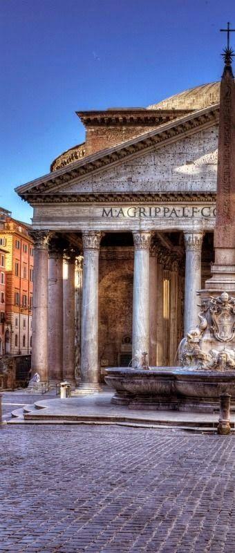 Panteon de Roma, uno de los edificios mejor conservados de la ciudad.Italia