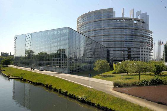 Strasbourg : Tous les prévenus relaxés au terme du procès de l'amiante au Parlement européen JUSTICE Tôt ce jeudi matin, le tribunal correctionnel de Strasbourg a décidé de prononcer la relaxe des trois prévenus dans l'affaire de l'amiante au Parlement européen...
