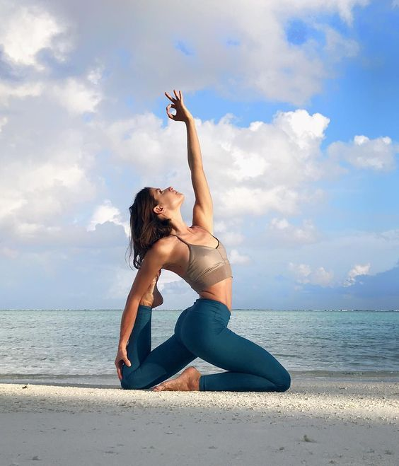 Yoga Bí quyết giữ gìn tuổi thanh xuân cho phụ nữ trung niên. #yogaPlus #yogastudio #ballyoga #loveyourself #yoga #yogaeverywhere #yogavietnam #yogachallenge #loveyoursoul #yogaaroundtheworld #namaste