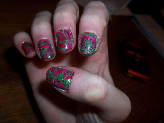 poinsettia marble nails