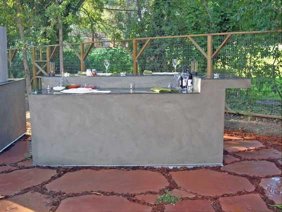 HOW TO BUILD AN OUTDOOR KITCHEN ISLANDThis Steel And
