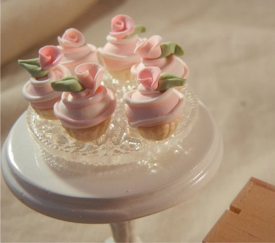 Dollhouse Miniature - Shabby Chic Pink and White Swirl Cupcakes w/ Leaf and Rose Garnish