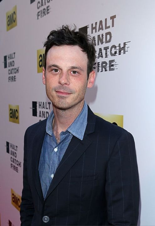 Scoot McNairy attends AMC's new series 'Halt And Catch Fire' Los Angeles Premiere at ArcLight Cinemas on May 21, 2014 in Hollywood, California. (Photo by Mark Davis/Getty Images) - Edited
