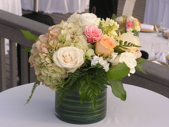 .#samesexwedding #lovethesegirls #beautifulflorals #girliegirlwedding  #fhflowers #flowerhillflowers  www.flowerhillflowers.com #martinjohnsonhouse #lajollawedding