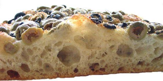 Focaccia de Aceitunas  Búscala en tus Panaderías Boutique  C:
