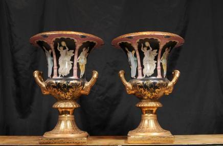 Pair german dresden porcelain campana urns vases toga for Vase antique romain