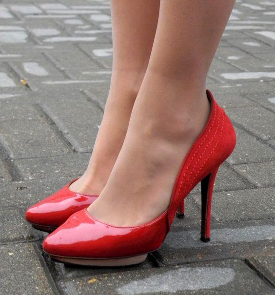 Resultado de imagen para колготках и на высоких каблуках