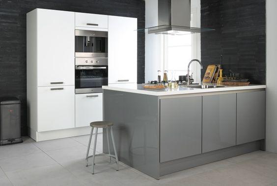 Keukens Ikea Grijs : Bruynzeel Pallas keuken in het metallic grijs hoogglans