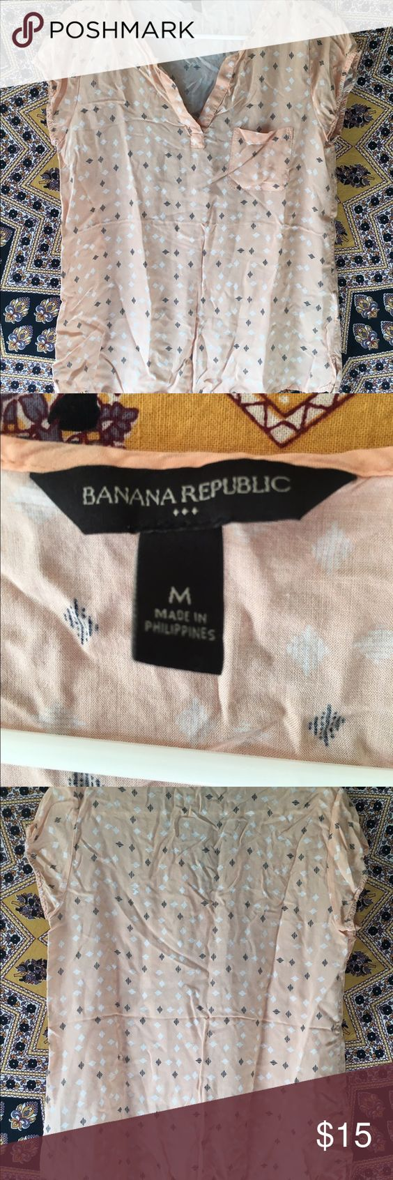 Banana Republic top Very light pink colored top with a pattern on it. It is very lightweight and super fun to wear in the springtime with a cardigan and jeans! Banana Republic Tops Tees - Short Sleeve
