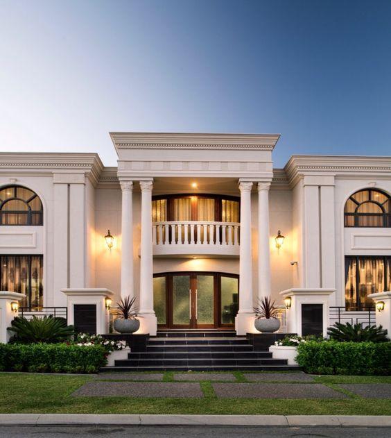 تصميم فيلا غاية في الفخامة والروعة Classic House Exterior Classic House Design Luxury Exterior