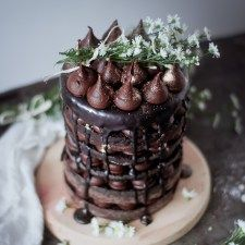 6 layer chocolate cake { Recipe }