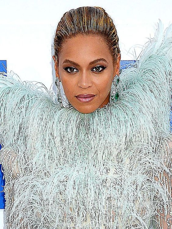 Beyonce attends the 2016 MTV Video Music Awards!