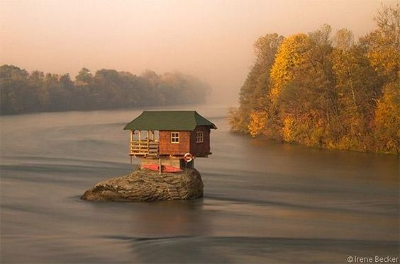House in the middle of Drina River near the town of Bajina Basta, Serbia: Baska, Favorite Places Spaces, House Serbia, Tinyhouse, Tiny Houses, Beautiful Place, River House