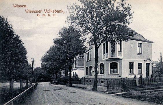 022 - Volksbank um 1910 - die Straße ist noch nicht gepflastert
