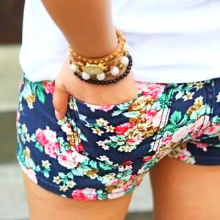 floral shorts  <3