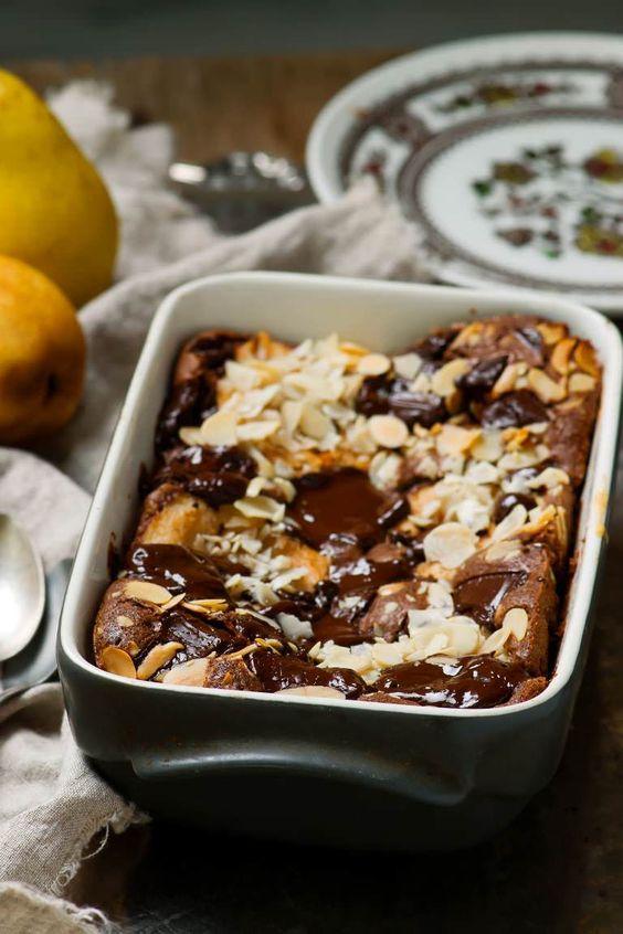 Clafoutis aux poires et au chocolat un dessert d'automne facile et gourmand