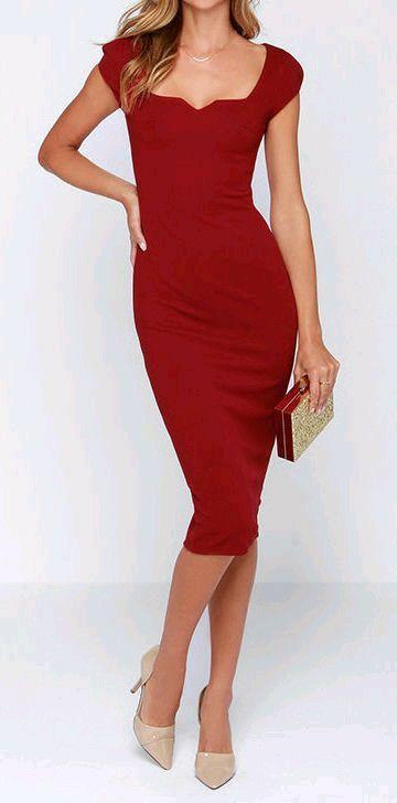 Vestido rojo cuello cuadrado: