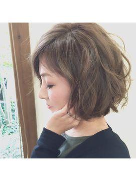 2018年冬 ゆるふわボブ Hair Beauty clover のヘアスタイル