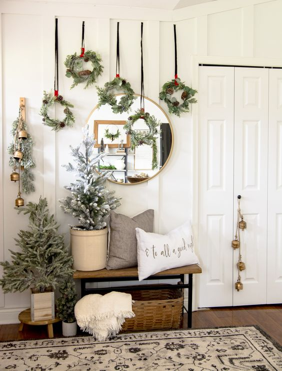 Traditional Christmas decorations can easily be reinvented with a little creativity! See how to create unique Christmas wall art with these standard pieces. #fromhousetohaven #traditionalchristmasdecorations #christmasdecorideas