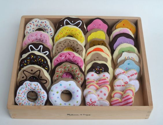 """Felt food. What a great gift for a kid! Maybe this should go on the """"keeping it off"""" board since they are calorie free."""