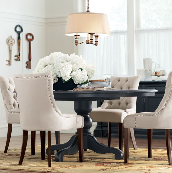 Dining Room Sets Round: A Round Dining Table Makes For More Intimate Gatherings