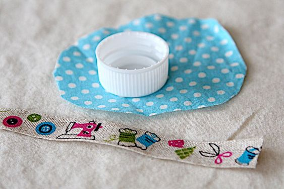 how to make a tiny pincushion out of a bottle cap