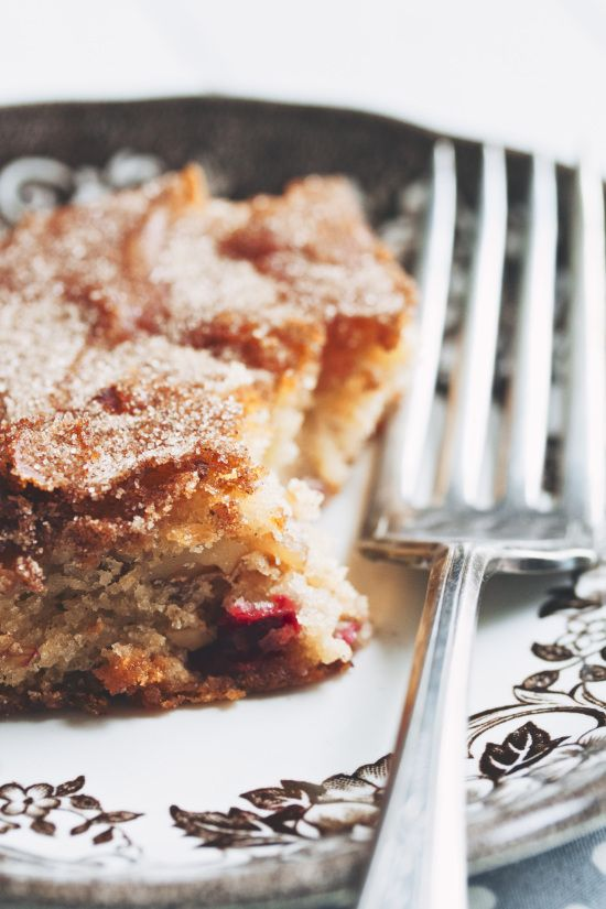 apple cranberry snacking cake | movita beaucoup