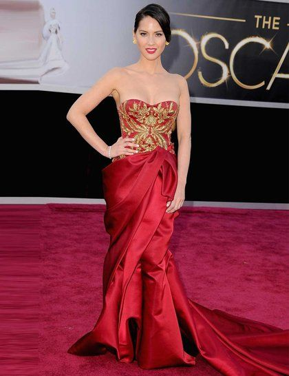Stay tuned to see what the big names are wearing, from Anne Hathaway to Jennifer Lawrence, on the most famous red carpet in the world, The O...