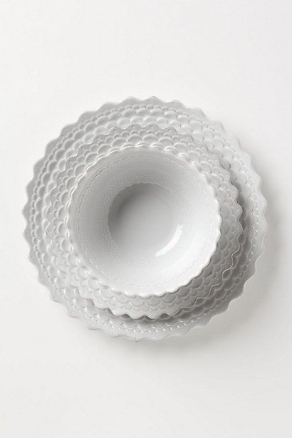 Piecrust dishes from Anthro. Sweet and pretty. Would be great for my imaginary cottage.