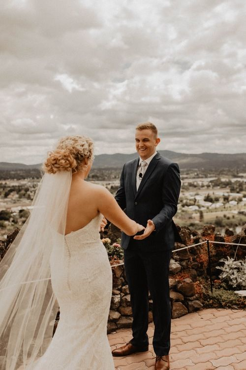 5 Reasons Why You Should Do A First Look In 2020 Washington Wedding Photographer Portland Wedding Photographer Wedding Photography Bride