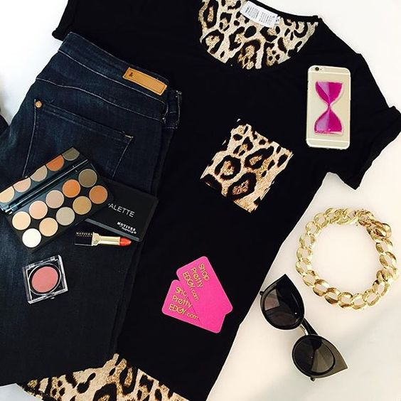 We love this look featuring #motivescosmetics by @shopprettyedgy  Repost: We've got Back-2-College   #Inspo that will have you lookin fly around campus! Check out these #ootd deets below!  Top: #ShopPrettyEdgy Cat Walk Sunnies: @quayaustralia Dream of Me Makeup: @motivescosmetics Demure Palette  & Smolder Ultra Matte Lipstick iPhoneCase: HourGlass #ShopPrettyEdgy  Necklace & Jeans: @hm