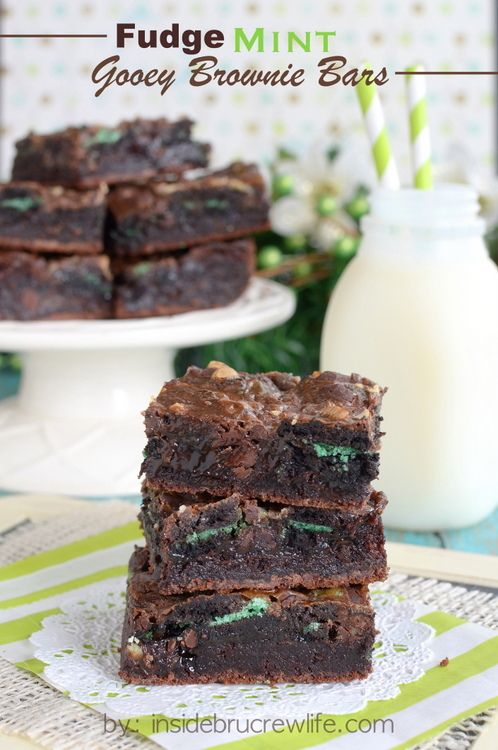 Fudge Mint Gooey Brownie Bars | Recipe | Andes mints ...